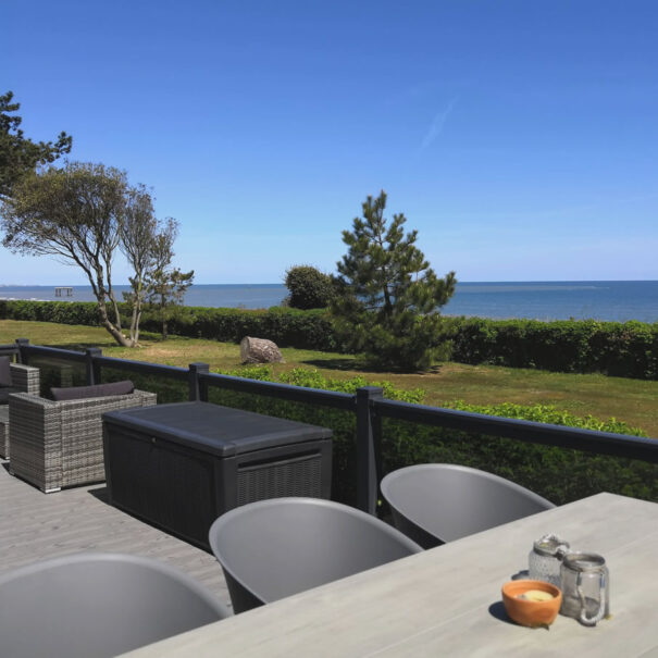 Selfcatering luxury holiday lodge with amazing sea views in Suffolk