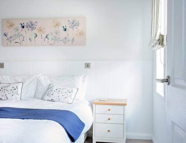 Lookout Lodge - Master bedroom luxury dog friendly holidays Suffolk