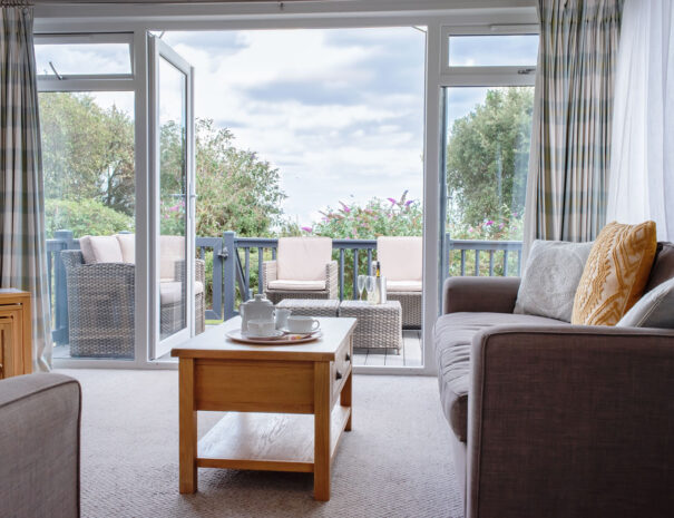 Bayview Lodge - 2 Bedroom Holiday Rental With Sea Views Suffolk