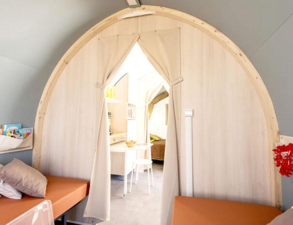 Beach View Super Pods - Twin Bedroom